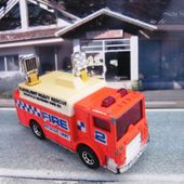 MACK AUXILIARY POWER TRUCK MATCHBOX 1/84 VEHICULE POMPIERS - car-collector