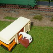 BEDFORD HORSE BOX CAMION AVEC SON CHEVAL BLANC MATCHBOX - car-collector.net