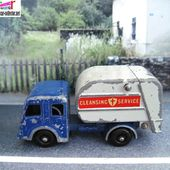 TIPPAX REFUSE CAMION POUBELLES LESNEY COLLECTOR 15 -