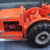 ALLIS CHALMERS EARTH SCRAPER KING SIZE MATCHBOX SERIES LESNEY - car-collector.net