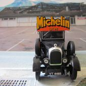 FASCICULE N°12 VAN MORRIS COWLEY 1930 MICHELIN TYRES ALTAYA LES VEHICULES MICHELIN1/43 IXO - car-collector