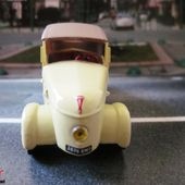 FASCICULE N°24 PEUGEOT VLV 1941 NOREV 1/43 - car-collector.net