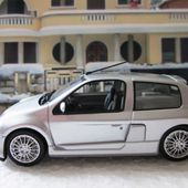 FASCICULE N°10 RENAULT CLIO SPORT V6 1999 UNIVERSAL HOBBIES 1/43 - car-collector.net