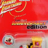 DRAGGI'N DRAGON TOM DANIEL'S JOHNNY LIGHTNING 1/64 - car-collector.net