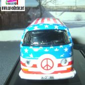 VW COMBI T2A 1970 HIPPIES LOVE &amp&#x3B; PEACE SCHUCO 1/87 - car-collector.net