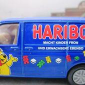 VW TRANSPORTER BONBONS HARIBO SIKU HARIBO C'EST BEAU LA VIE UTILITAIRE - car-collector.net