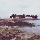 art 111, L'île Tristan 02, Douarnenez, Tréboul, promenade autorisée en l'absence de La Fontenelle... Chapelle des Aviateurs, Corps-de-garde,