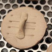 Bricolage &amp&#x3B; Couture: Tuto comment réaliser de boutons à recouvrir - La Maisonnette de Barbichounette