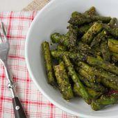 Asperges vertes poêlées au pesto de persil, ail des ours et citron - La cuisine d'Anna et Olivia