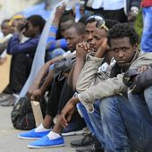 VIDEO. A la frontière franco-italienne, les migrants entament une grève de la faim