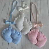 Baby Feet Charm Knitting Pattern