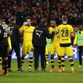 Le match Leverkusen - Dortmund arrêté dans la consternation