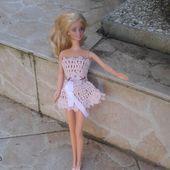 Et une barbie de plus habillée - Qinoa, la sorcière Bricoleuse