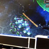Play Starcraft Using Your Eyes With This Eye-Tracker [VIDEO]