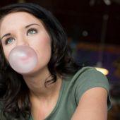 Le chewing-gum sans sucre, aussi efficace que le fil dentaire