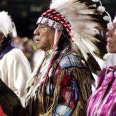 Accord historique, les États-Unis vont payer 1 milliard de dollars aux tribus amérindiennes autochtones - Wikistrike