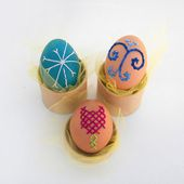 How to Decorate Easter Eggs with Embroidery Stitches