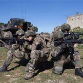 Les formateurs de la 13e DBLE expérimentent le HK 416 F