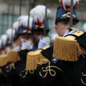 Un million € par an pour les grands uniformes de l'ESM, tenues de parade de l'EMIA, tenues de traditions des musiciens