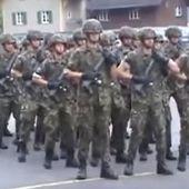 L'armée suisse reprend We Will Rock You de Queen à sa manière