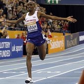 Mo Farah breaks two-mile world record at Birmingham Indoor Grand Prix