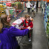Costco gets creative to meet shoppers' huge appetite for organics