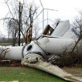 Wind Industry In Freefall: Wind Turbines Keep Dropping Like Flies &amp&#x3B; Hard Hats Won't Help
