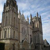 Cathédrale Saint-Pierre de Poitiers - Wikipédia