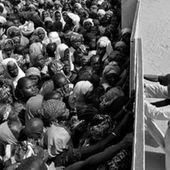 Boldrini festeggia imprenditori migranti, artigiano italiano si impicca