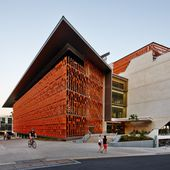 University of Queensland : Brise-soleil en terre cuite