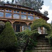 La police a fait une descente dans la villa d'un grand baron de la drogue au Mexique... Ce...
