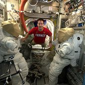 ESA - Space for Kids - Life in Space - Thomas Pesquet prepares for spacewalk