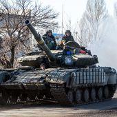 VIDEO. L'armée ukrainienne et les pro-russes déploient leurs troupes dans la ville de Debaltseve