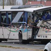 DIRECT. Accident de car scolaire à Rochefort : les deux chauffeurs en garde à vue