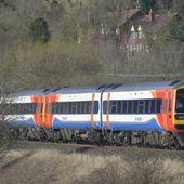 Grèves, retards, prix prohibitifs : pourquoi certains Britanniques veulent renationaliser leurs chemins de fer