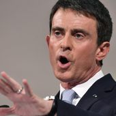 "VIDEO. Valls interrompu en plein meeting à Paris au cri de ""49.3, on n'oublie pas"""
