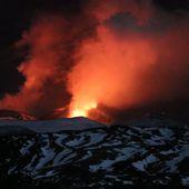 Une spectaculaire éruption de l'Etna blesse une dizaine de personnes