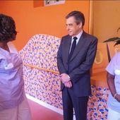 VIDEO. Retraite à 65 ans, 39 heures... François Fillon malmené par des personnels hospitaliers durant la visite d'un Ephad