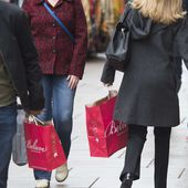 Holiday spending jumped 7.9% this year, fueled by savings on cheap gas