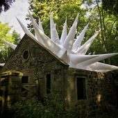 XXX, 3 installations gonflables au Mellerstain House & Gardens par Steven Messam - Journal du Design