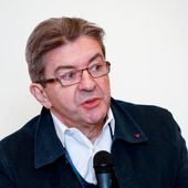 "Mélenchon : ""Je n'ai pas l'intention de m'accrocher à un corbillard"""