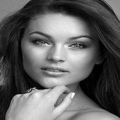 20 photos à couper le souffle de Rolene Strauss, Miss Monde 2014 !