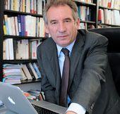 """François Bayrou : """"Je mets toutes mes forces à concevoir un projet de reconstruction pour notre pays"""""""