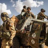 La force Barkhane a évalué une piste d'aviation coupée par la frontière entre le Niger et la Libye