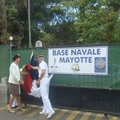 "La Marine nationale dispose d'une "" base navale "" à Mayotte"