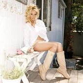 Pamela Anderson Introduces Fun Vegan Fashion Accessories