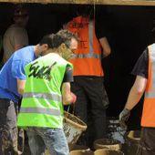 Des habitants de Romanswiller dans la boue, les cheminots grévistes viennent en renfort !
