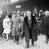 1906 : Clémenceau et l'interdiction des manifestations