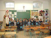Saint Nicolas à l'école Sainte Philomène le 6 décembre 2013.