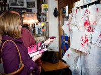 """Après le succès de l'opération artistique """"Rose Gallery, le Cabernet-d'Anjou se croque à Paris"""" en 2009, puis Art'By Cabernet d'Anjou à la Bastille, en 2010, l'AOC revient sur le devant de la scène, le jeudi 12 mai 2011 du côté de Saint-Germa"""